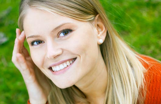 Classe prépa : étudiante souriante