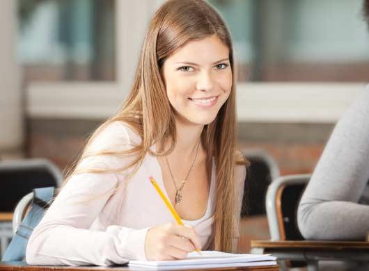 Etudiante en cours de passser son concours